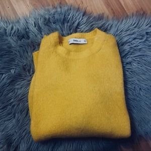 Mustard oversized Zara sweater